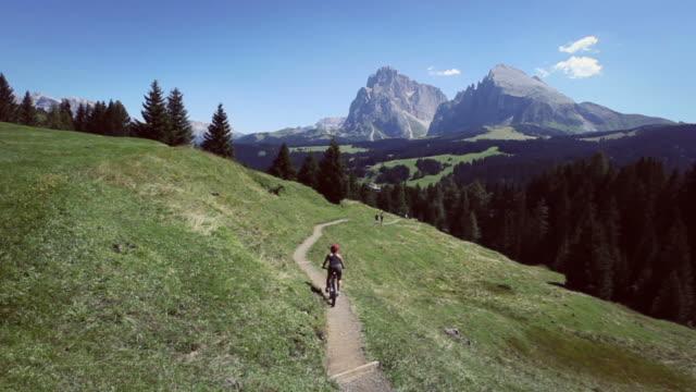 mountain bike on italian dolomites - siusi stock videos & royalty-free footage