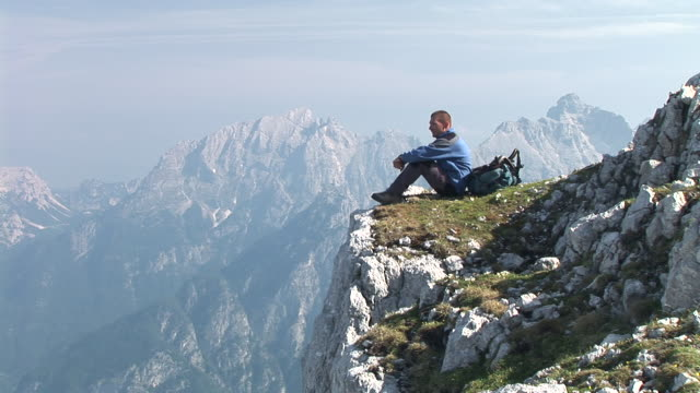 HD: Mountain Hiking