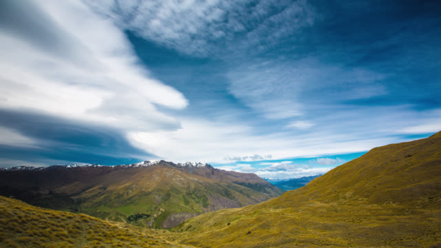 TIME LAPSE: Mountain Landscape New Zealand