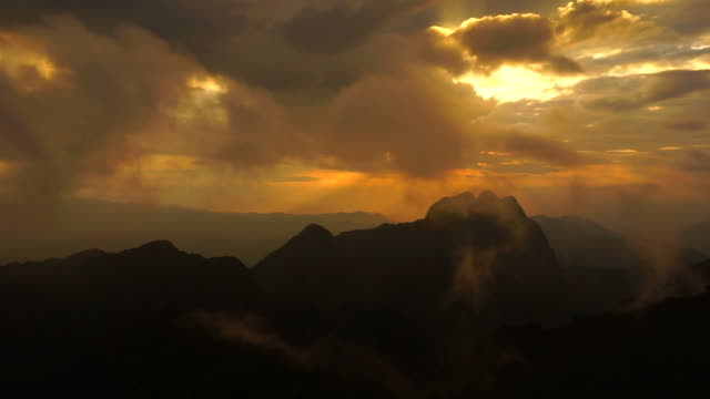mountain landscape with sunset and cloudscape - hd 25 fps stock videos & royalty-free footage