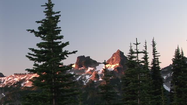 ws, zi, ms, mountain peak, mount rainier national park, washington, usa - mt rainier national park stock videos & royalty-free footage