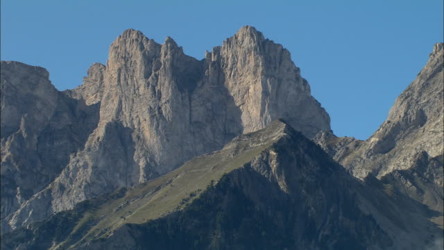 AERIAL WS Mountain peaks in Maritime Alpes / Rhone-Alpes, France