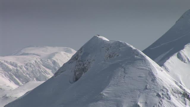 HD: Mountain peaks