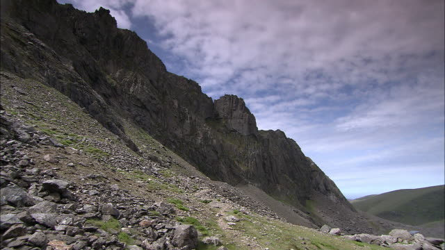mountain ridge, snowdonia, wales - snowdonia stock videos & royalty-free footage