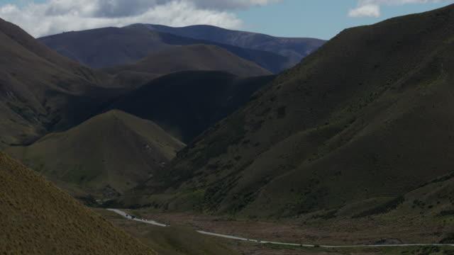 ニュージーランド南島、時間の経過で山道