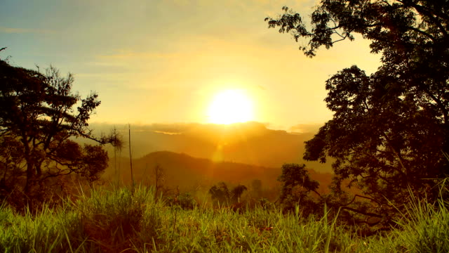 mountain sunrise, central province, sri lanka - mountain range stock videos & royalty-free footage