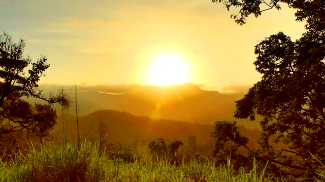 mountain sunrise, central province, sri lanka - sri lanka stock videos and b-roll footage