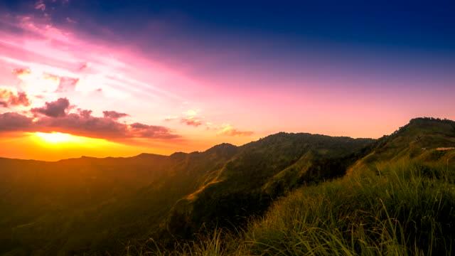Montagne, Thaïlande Phu Tabberk, timelapse