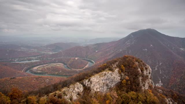 vidéos et rushes de effet time-lapse montagne - austria