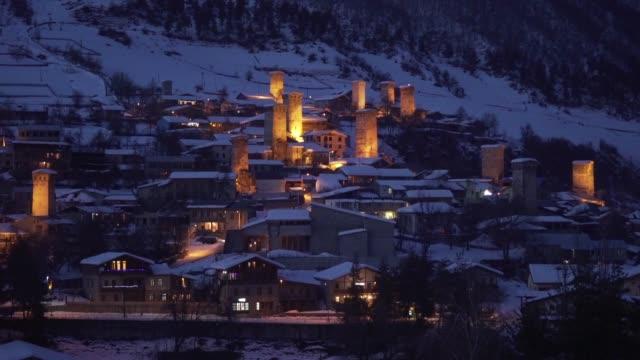 mountain stadt bei nacht - georgia stock-videos und b-roll-filmmaterial