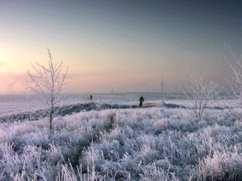pal : マウンテンバイカー - winter点の映像素材/bロール