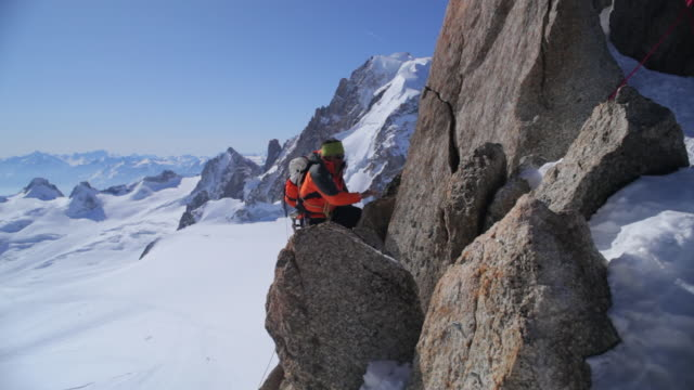 WS TU Mountaineer climbing in high mountains/French Alps