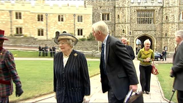 queen hosts memorial to sir edmund hillary arrivals and departures *** some sir ian mckellen arriving / more guests arriving / helen clark and... - ian mckellen stock videos and b-roll footage