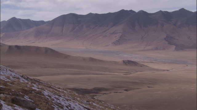 mountains and arid plateau, qinghai province, china - plateau stock videos and b-roll footage