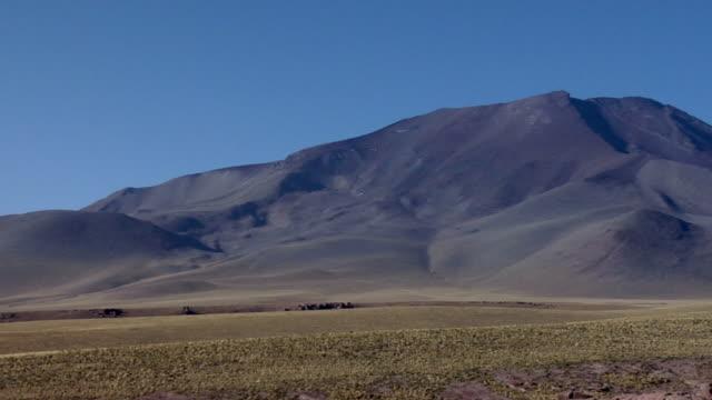 WS PAN Mountains and volcano in desert landscape, San Pedro de Atacama, El Loa, Chile