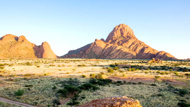 ws ds mountains in namibia - dolly shot stock videos & royalty-free footage