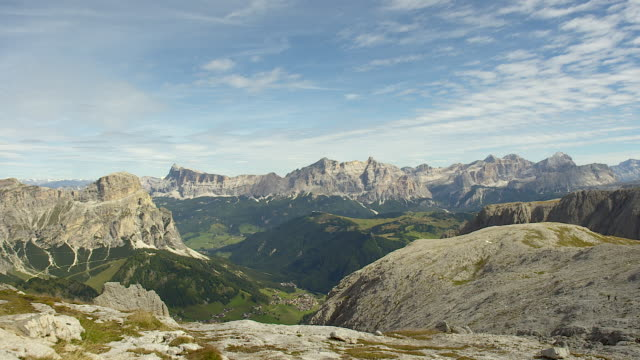 mountains landscape, dolomites, souht tyrol, italy - europa continente video stock e b–roll