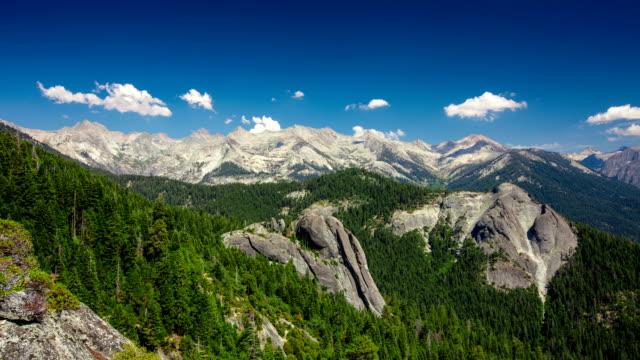 vídeos y material grabado en eventos de stock de lapso de tiempo: las montañas - parque nacional de secoya