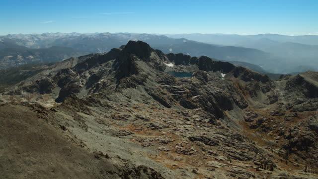 mountaintop view in sierra nevadas - californian sierra nevada stock videos & royalty-free footage