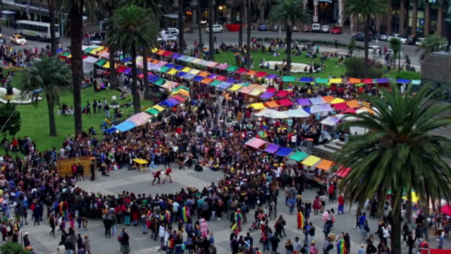 lbgt movement in montevideo, uruguay, plaza independencia - モンテビデオ点の映像素材/bロール