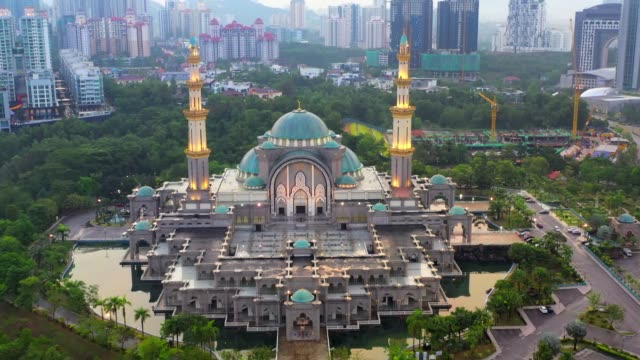 4k movie drone fly overfederal mosque or wilayah mosque,kuala lumpur, malaysia - kuala lumpur stock videos & royalty-free footage