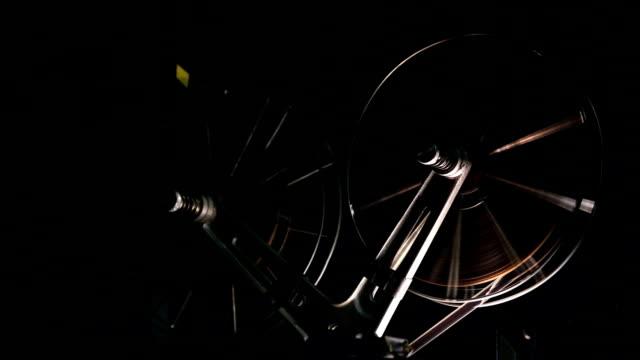 film-projektor - nostalgie stock-videos und b-roll-filmmaterial
