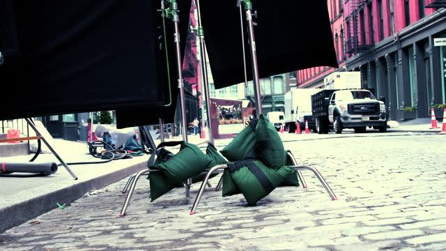 movie location - soho nyc - 2021 - film set stock videos & royalty-free footage