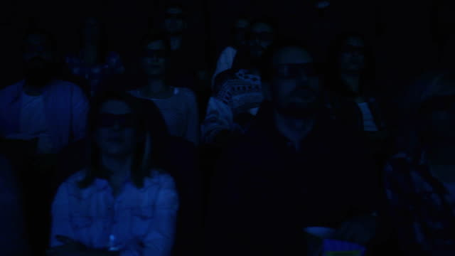 3d film-nacht - filmpremiere stock-videos und b-roll-filmmaterial