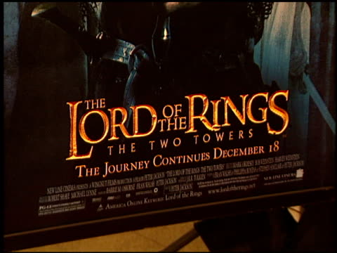 movie poster at the premiere of 'the lord of the rings: the two towers' at the cinerama dome at arclight cinemas in hollywood, california on december... - アークライトシネマ点の映像素材/bロール