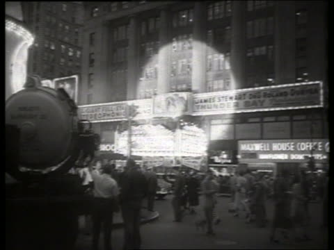 """movie premiere of """"thunder bay"""" / no sound - 1954 stock videos & royalty-free footage"""