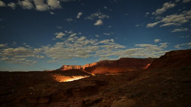 moving clouds and moonlight on vermillion cliffs - グランドステアケースエスカランテ国定公園点の映像素材/bロール