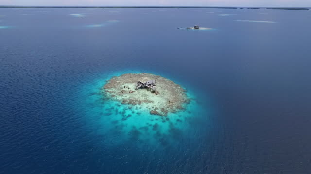 Moving forward above Pearl Farm in Manihiki Lagoon