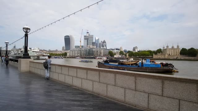 moving in the queen's walk - tower of london stock videos & royalty-free footage