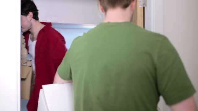 umzug in die neue wohnung - home sweet home englische redewendung stock-videos und b-roll-filmmaterial