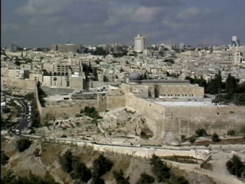 A moving, panoramic view of Jerusalem