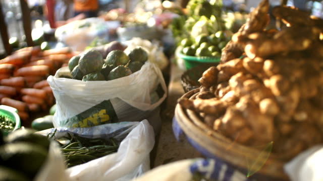 Moving shot: Vegetable in the market place/ Nairobi/ Kenya