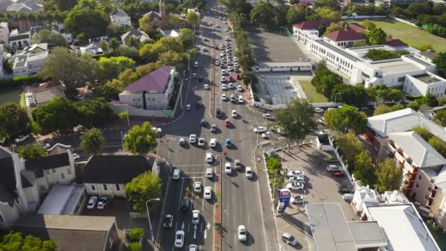 vídeos y material grabado en eventos de stock de moviéndose a través de la ciudad - provincia occidental del cabo