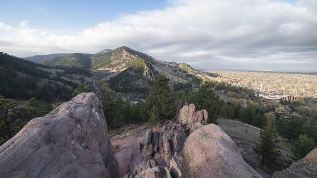 moving timelapse between red rocks in boulder, clorado - boulder stock videos & royalty-free footage
