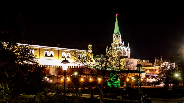 TL Moving view of the Trinity Tower of the Kremlin / Russia, Moscow
