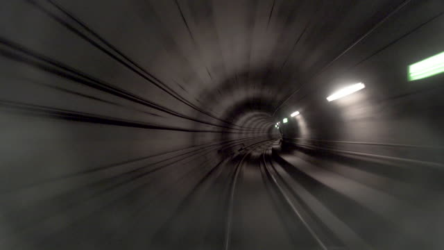 stockvideo's en b-roll-footage met movingstill_traintracks_cph - tunnel