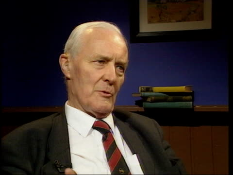 stockvideo's en b-roll-footage met mowlam's comments on royal family casue political row; itn westminster: tony benn mp interview sot - talks of the powers of the crown exercised by... - tony benn