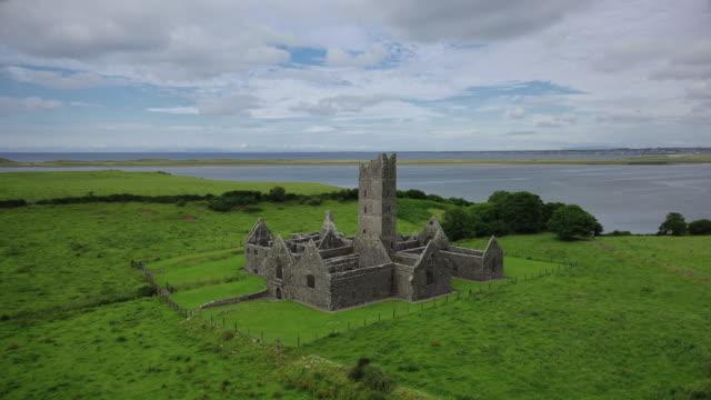 moyne abbey - castello video stock e b–roll