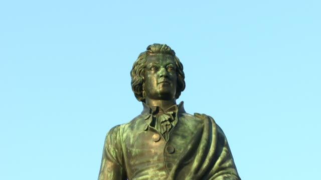 CU, ZO, LA, Mozart Statue, Mozartplatz, Salzburg, Austria