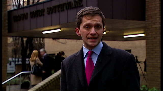 mps' expenses scandal david chaytor sentenced to 18 months southwark crown court reporter to camera - parlamentsmitglied stock-videos und b-roll-filmmaterial