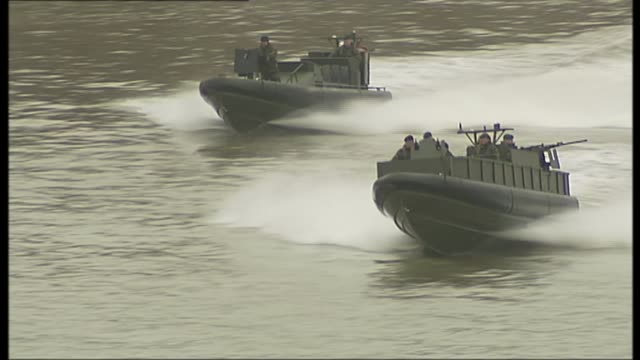 MPs warn cuts to the Royal Marines would undermine UK security R17031104 / London Greenwich EXT Military exercise demonstration involving armed...