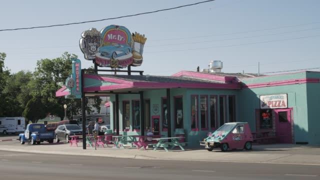 mr. dz diner, route 66, kingman, arizona, usa, america, united states, north america - kingman arizona stock videos & royalty-free footage