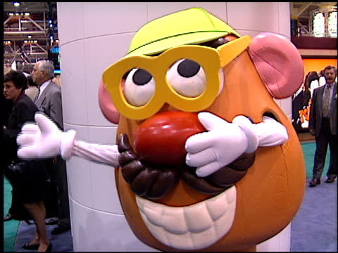 vídeos de stock e filmes b-roll de mr potatohead at the natpe convention on january 20, 1998. - natpe convention