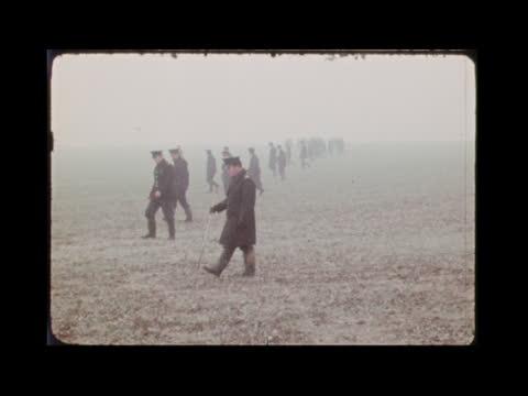 stockvideo's en b-roll-footage met mrs muriel mckay murder:; england: london: wimbledon: ext police black maria van towards then r-l & backs side driver backing: tom barrv sof: 'the... - crime and murder