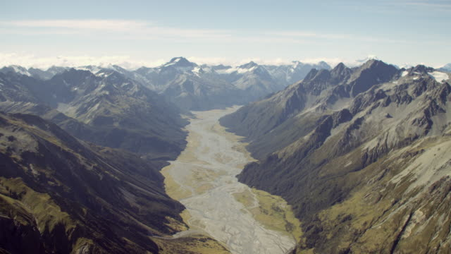 Mt Cook mountain valley