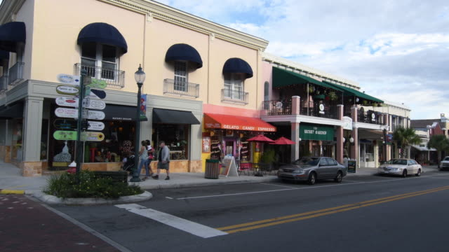 Mt Dora Florida downtown on Donnelly Street shops and restaurants quaint small town, 4K